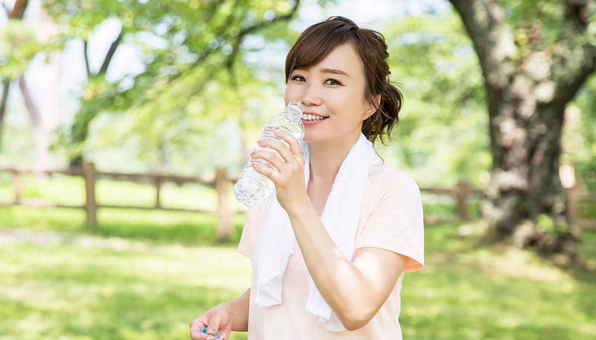 たくさん飲めばいいは間違い!スポーツ時の水分補給の正しい方法とは