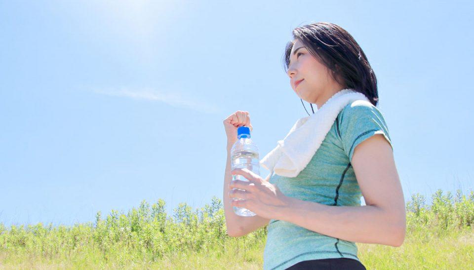 水ダイエットは本当に痩せる?むくみや便秘解消に効果的な正しい方法とは