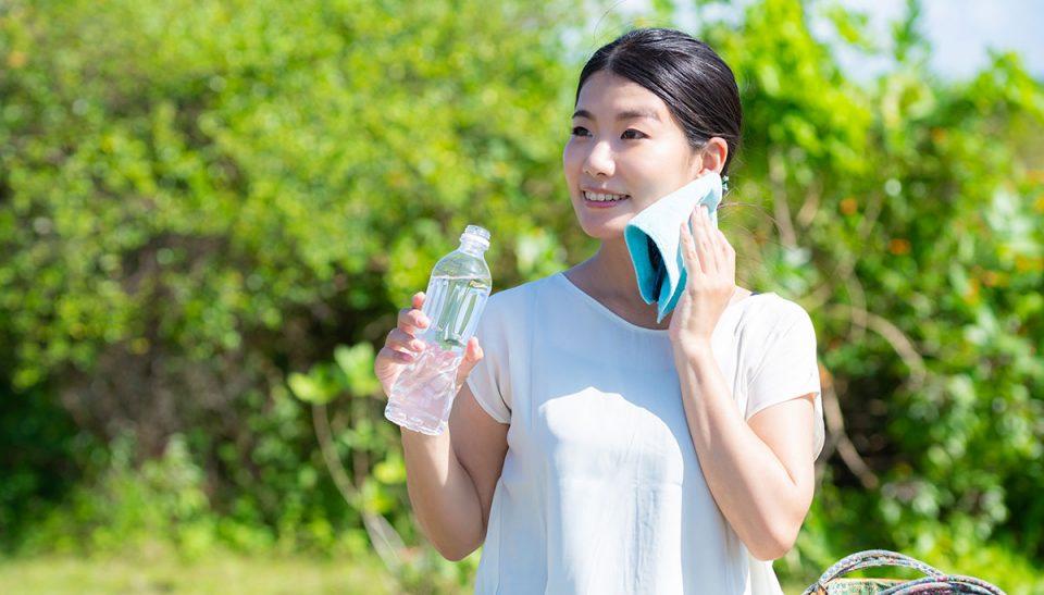 水の飲み過ぎで水中毒に?熱中症は正しい水の飲み方で対策を